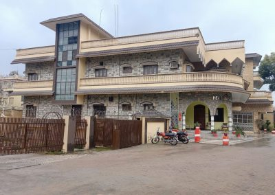 peak Montessori high school building location Westridge Rawalpindi